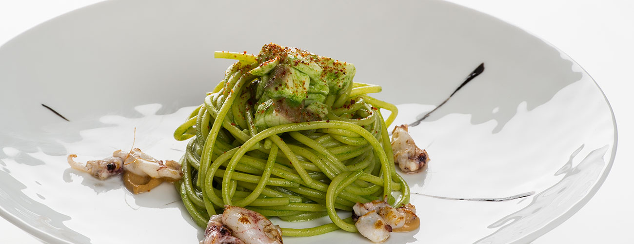 Green spaghetti with squid: gourmet restaurant Lchimpl in Vigo di Fassa